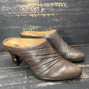 Sofft Brown Slip-on Mules Size 9.5M